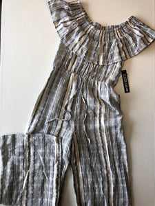 Previously Owned With Tags Women's Design Lab Jumpsuit Size S
