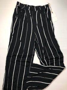 Previously Owned With Tags Women's Leith Pants Size S