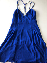 Load image into Gallery viewer, Gently Used Women's Express Dress Size 6