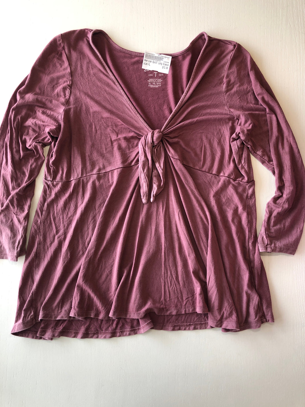 Gently Used Women's American Eagle Top Size XL