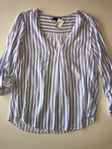 Gently Used Women's Dynamite Top Size M