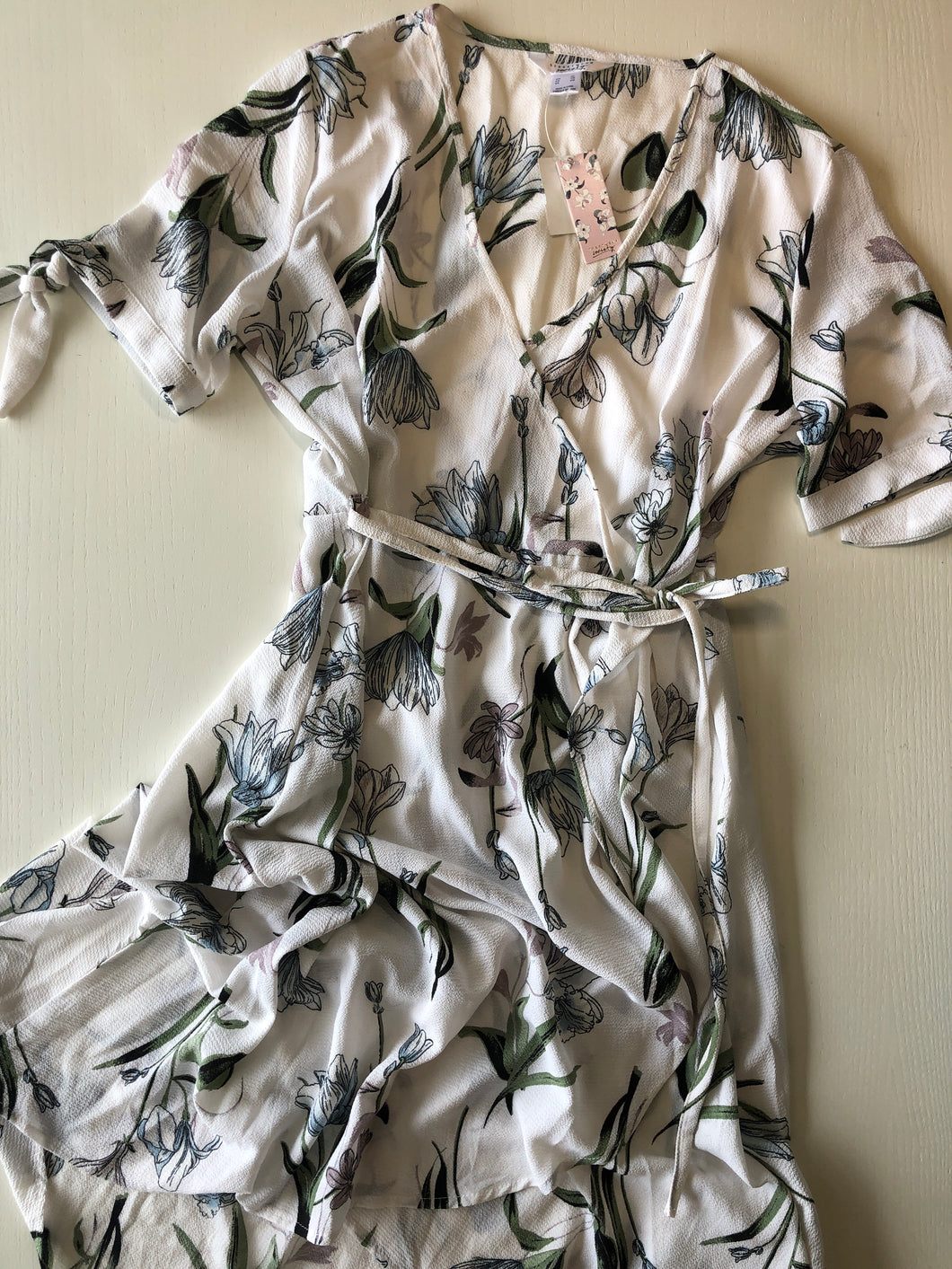 Previously Owned With Tags Women's Streetwear Society Dress Size XL