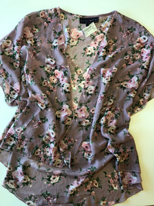 Gently Used Women's Polly & Esther Kimono Size S