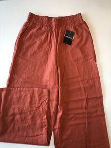 Previously Owned With Tags Women's Forever 21 Pants Size XS