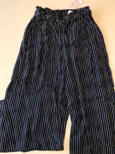 Previously Owned With Tags Women's American Eagle Pants Size S