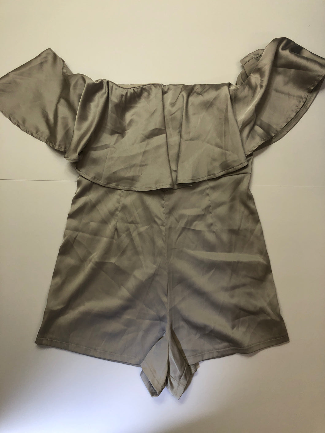 Previously Owned With Tags Women's Solaris Style Romper Size S