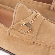 Hyusto Mick Moccasin Sand suede Gold Detail of the accessories