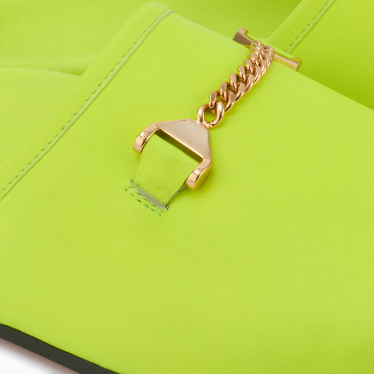 Hyusto Quincy Neon Yellow Glove Gold Detail of the accessories