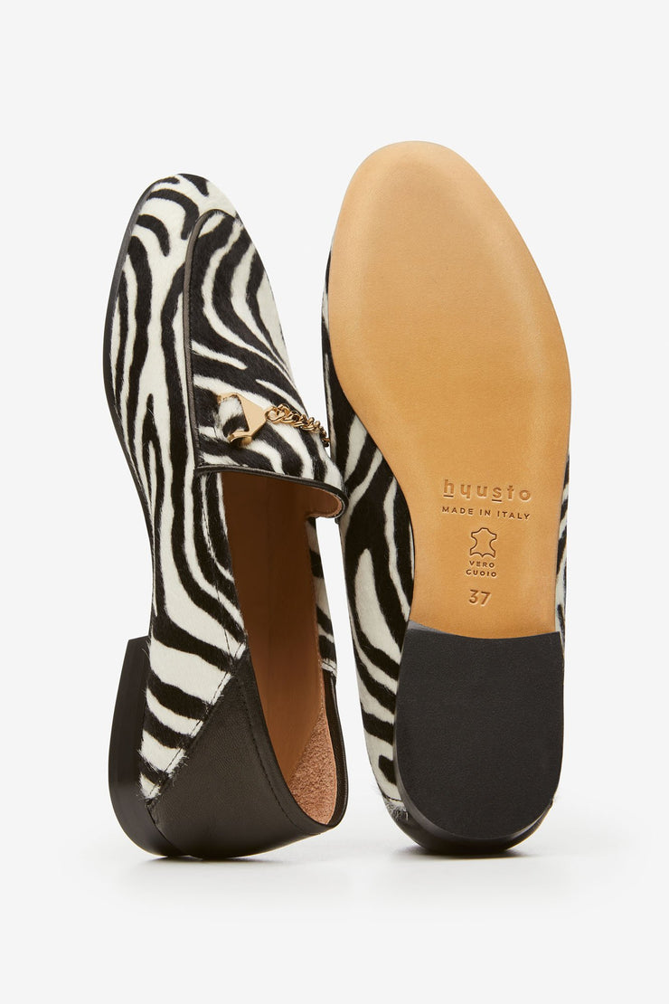 Hyusto Debbie Loafer Zebra Pony hair Gold Detail of the accessories