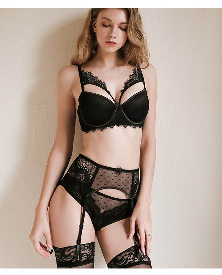 Bertha Black Lace Push Up Bra & Garter Set - Miscusi lingerie.