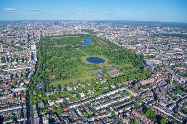 Aerial view of Kensington Palace, Kensington Gardens and Hyde Park, London. 362070