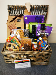 Yorkshire Festive Treat Hamper with wine selection