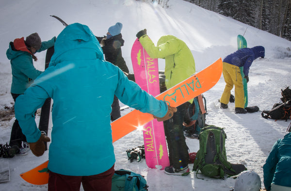 Acquire the gear. At the minimum, it should include a splitboard, splitboard bindings, skins, poles, beacon, shovel, probe and backpack.