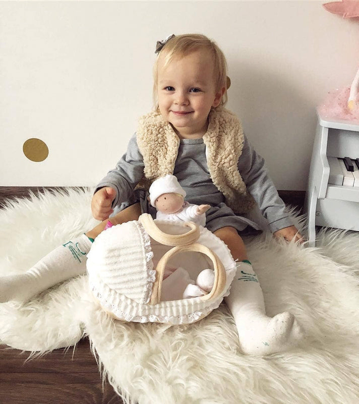 Bonnika Baby Grace in Carrycot