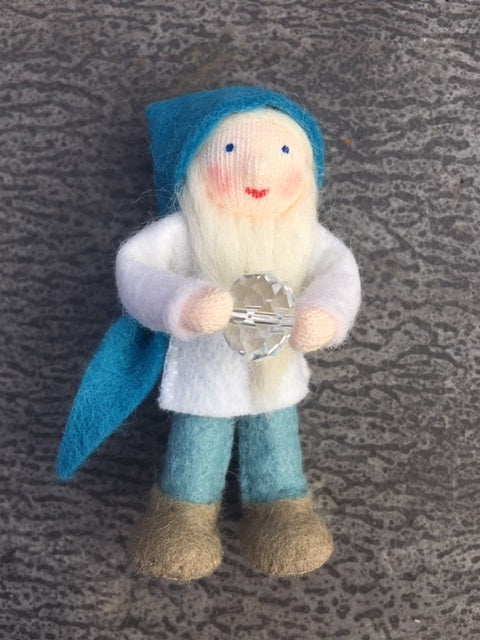Ambrosius Pocket Dwarf with Crystal at Little Sprout