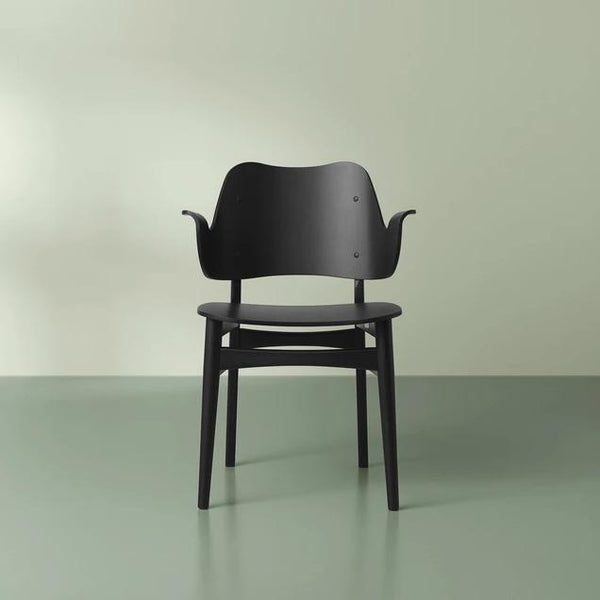 Gesture Chair Black Lacquered Beech