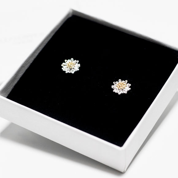 Flat Daisy Stud Earrings - Sterling Silver