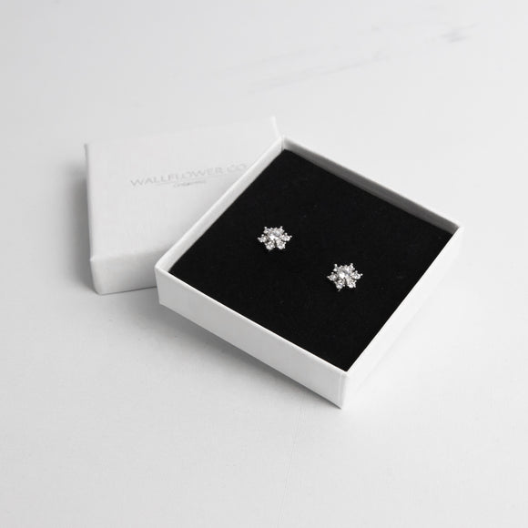 Glitzy Snowflake Stud Earrings - Sterling silver