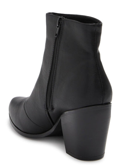 Adele089 Black Pu Stacked Heel Ankle Boot - Wholesale Fashion Shoes