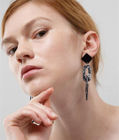 Chic Geometric Marbled Drop Earrings in Black - Wholesale Fashion Shoes