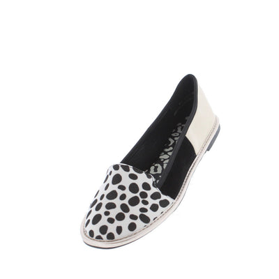 Impulsive Black/white Cow Print Loafer Flat - Wholesale Fashion Shoes