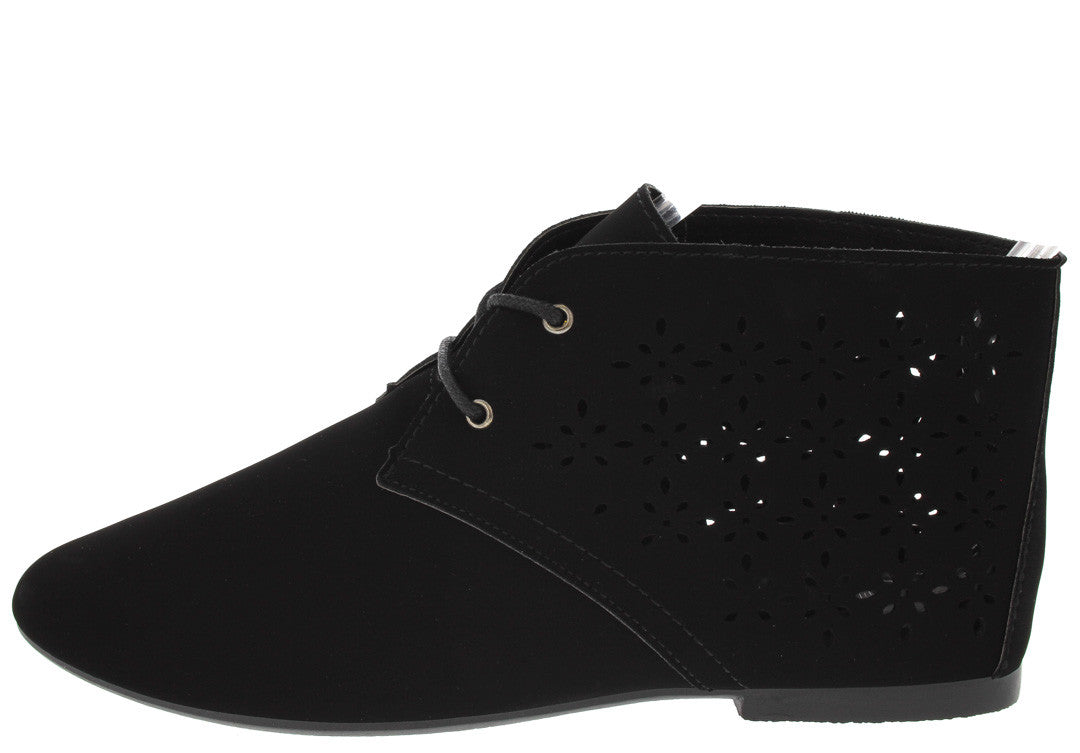TIKTOK85A BLACK PERFORATED LACE UP FLAT SYVGJT