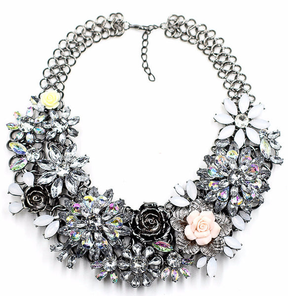 Vintage crystal flower sttaement necklace 2 2 grande