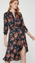 Load image into Gallery viewer, Multi-deco floral bcbg blouse