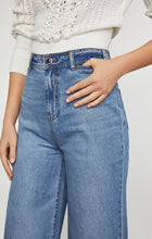 Load image into Gallery viewer, Faded Wide Leg Jean