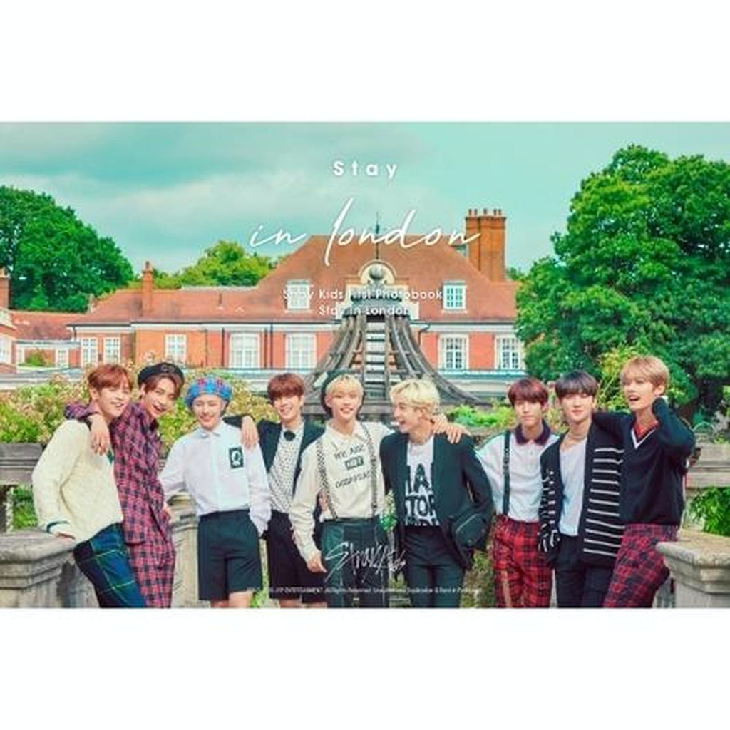 STRAY KIDS - STRAY KIDS FIRST PHOTOBOOK (STAY IN LONDON)