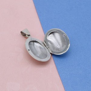 Load image into Gallery viewer, Ada Oval Silver Charm