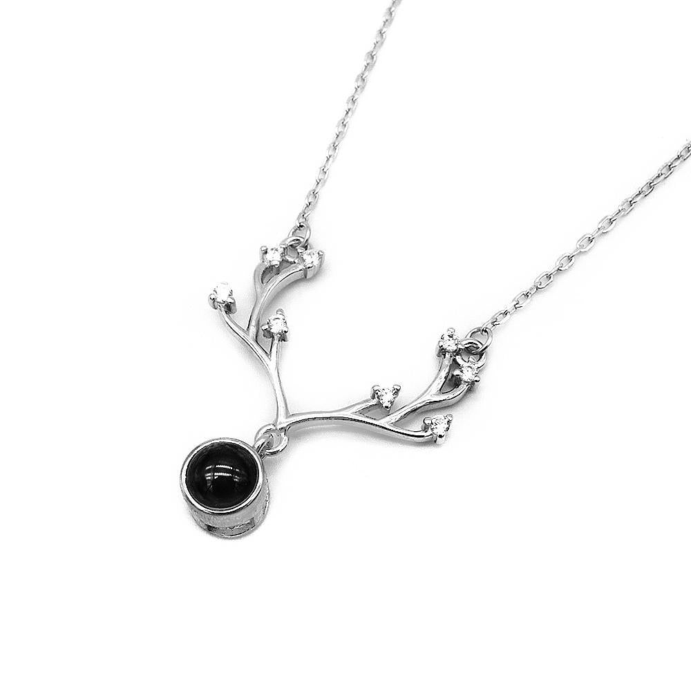 Load image into Gallery viewer, Hadia Silver Deer Antler Necklace