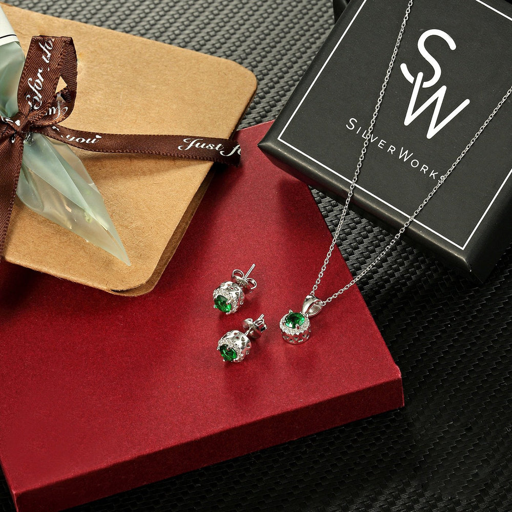 Suzanne Silver Earrings and Necklace Set with Gem 2