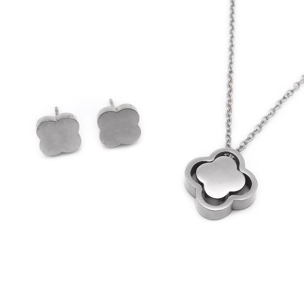 Clover Design Earrings and Necklace Set