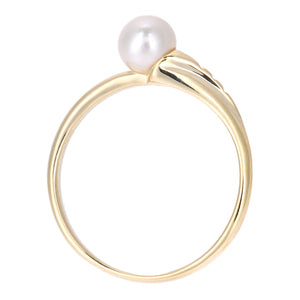 9ct Yellow Gold with White Cultured pearl Ring