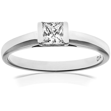18ct White Gold 0.33ct Princess Cut Certified Diamond Solitare Ring