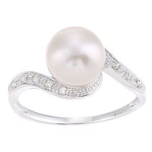 9ct White Gold, 0.06ct Diamonds with White Cultured pearl Ring