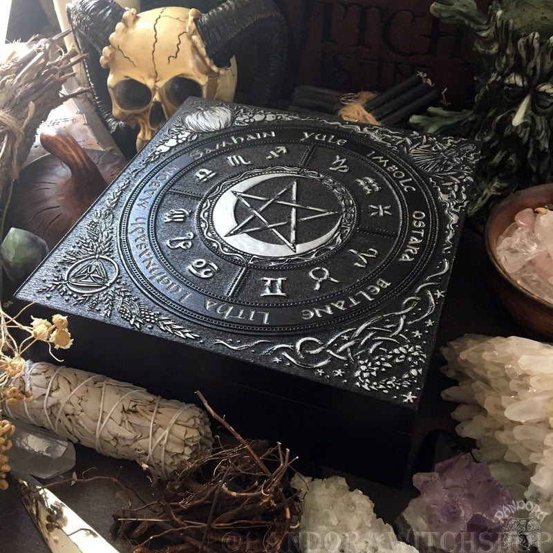 "Box - Wheel Of The Year ""PentaMoon"" - Black And Silver"