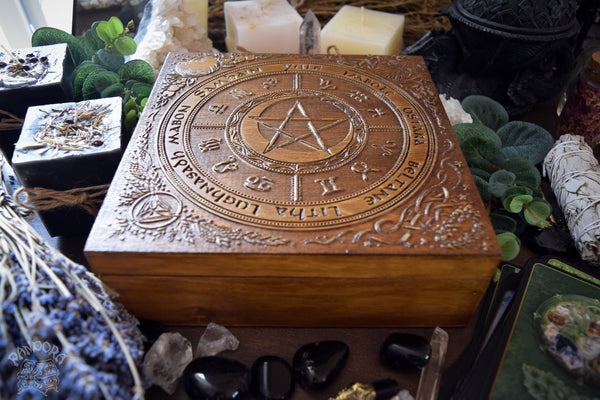 "Box - Wheel Of The Year ""PentaMoon"" - Dark Wood"
