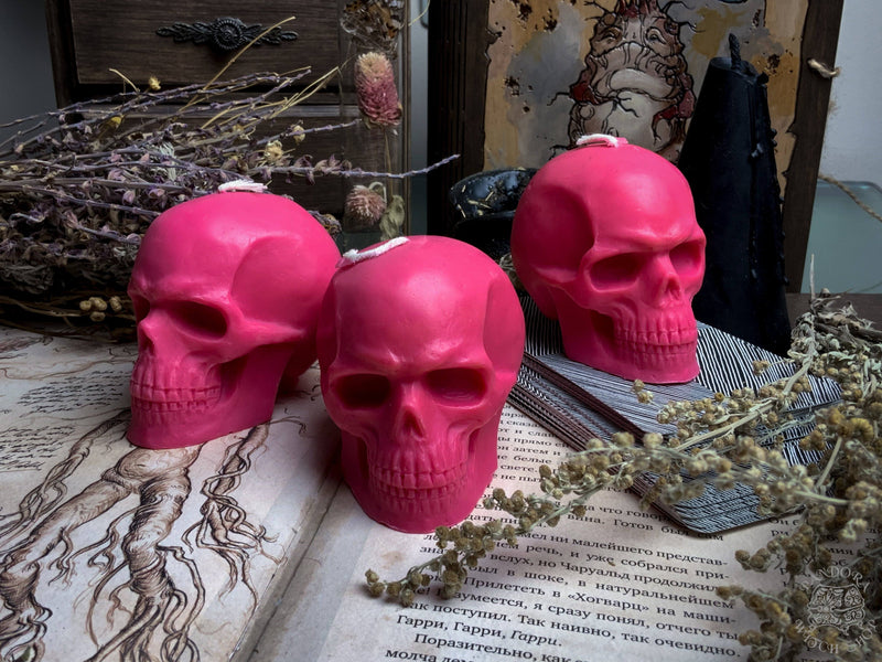 Pink skull - Beeswax candle