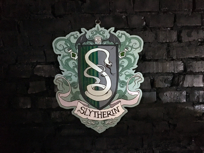 Decor - Wooden Emblem - Slytherin - Color