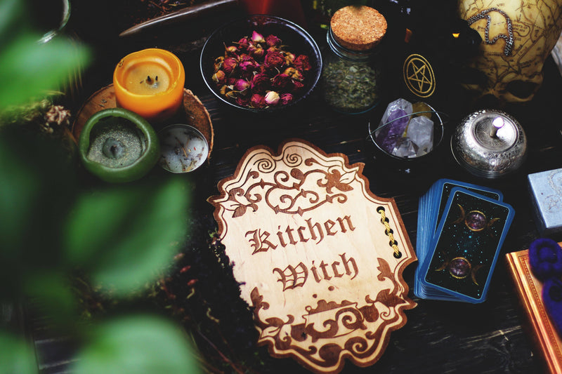 "Decor - Wooden Sign ""Kitchen Witch"""
