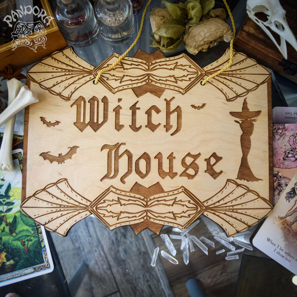 "Decor - Wooden Sign ""Witch House"""