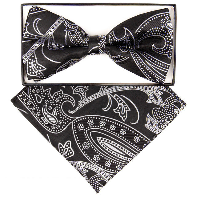 Black & White Large Paisley Print Bow Tie