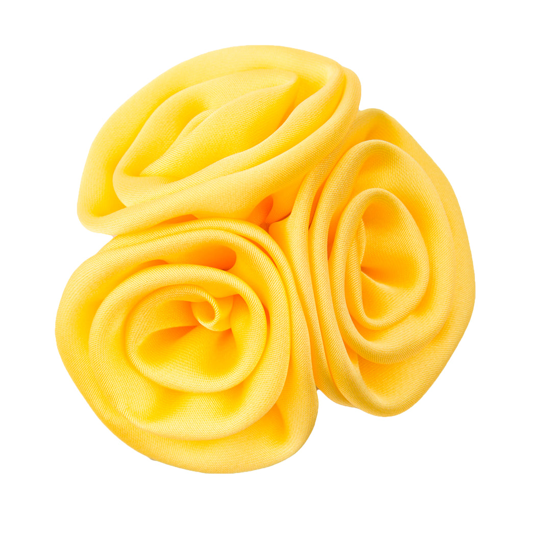 Lapel Rose Cluster Maize