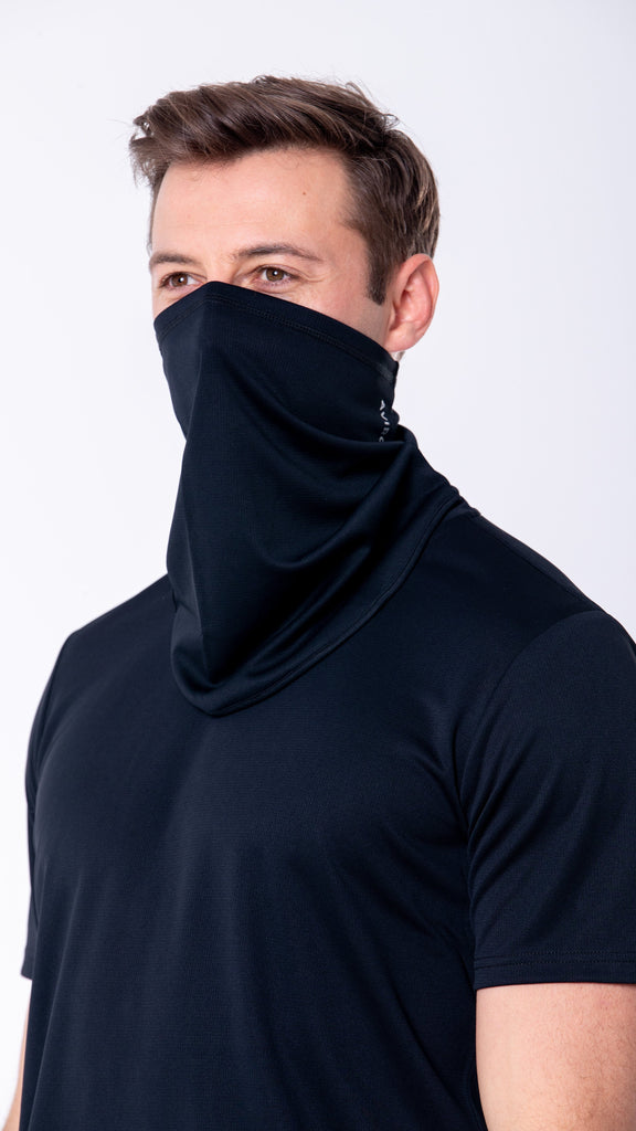 A fresh take on a winter essential for those cold early morning runs providing a layer of protection. Shop AVIRO now!