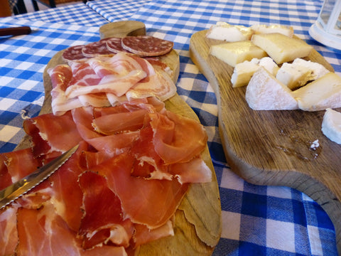 Cheese and meats go together in the diabetic food pyramid