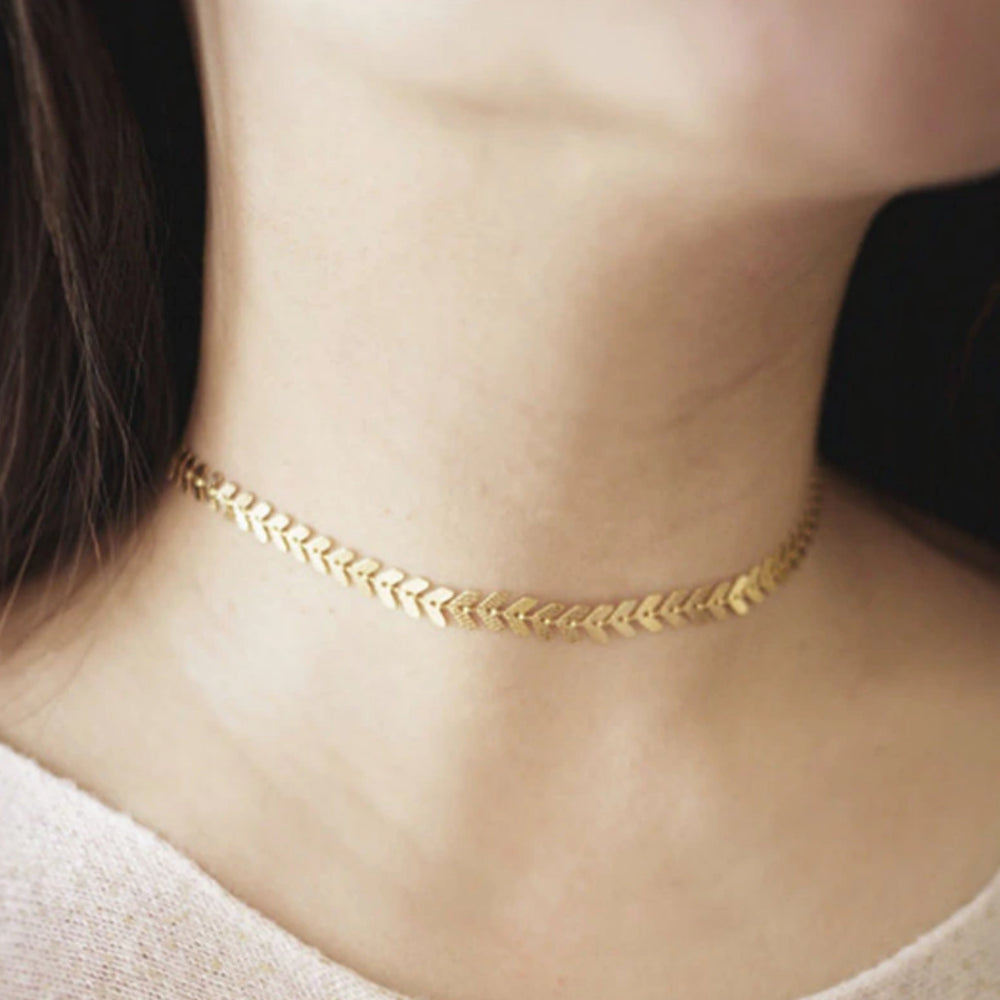 Leaves Chain Sequins Choker Necklace