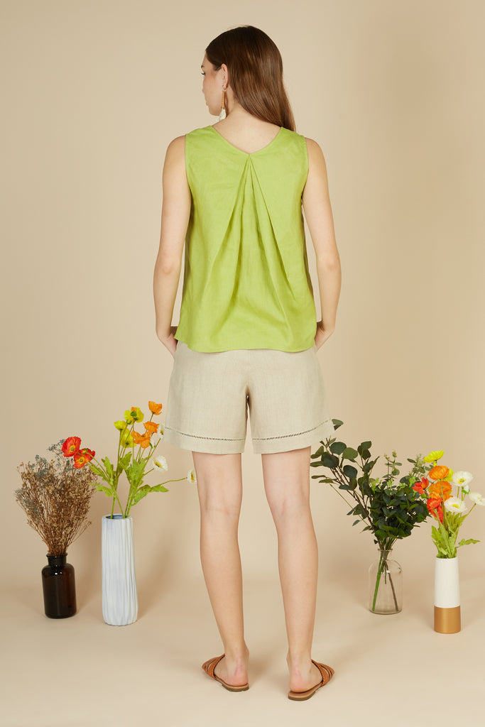 Iris Sleeveless Shirt
