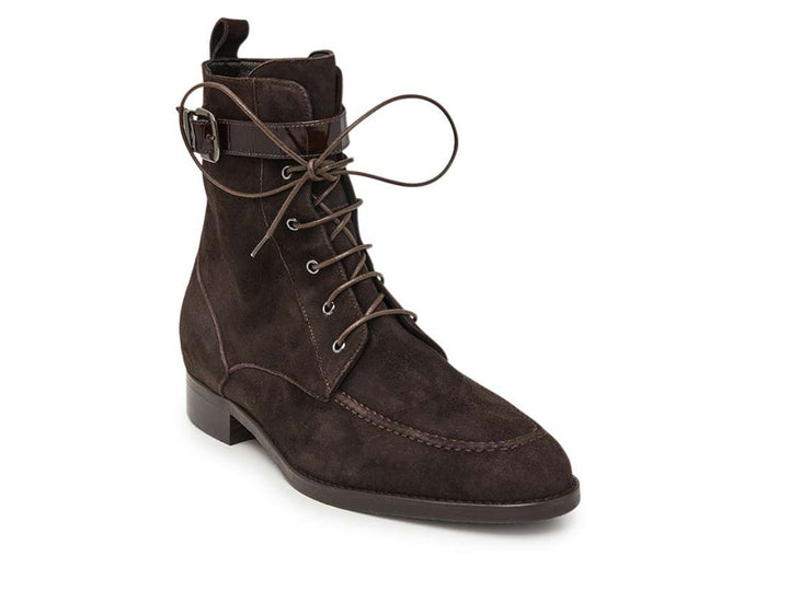 Lace-up boot in leather